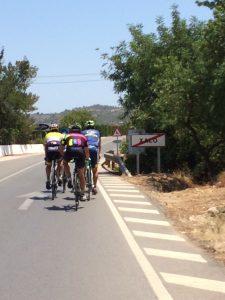 Wielrennen is een favoriete bezigheid in omgeving van Xalo en rest van Jalon Vallei